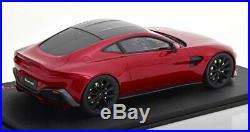 118 True Scale Aston Martin Vantage 2018 darkred/black