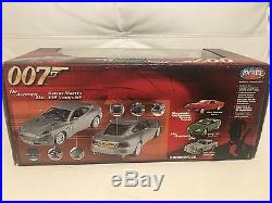 ASTON MARTIN V12 and Jaguar, JAMES BOND 007 Die Another Day, 1/18 Scale