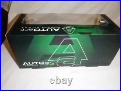 AUTO Art a scale model of a Aston Martin DB5, boxed