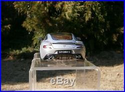 AUTOart Aston Martin Vanquish S 1/18 scale