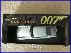 AUTOart James Bond 007 Goldfinger Aston Martin DB5 118 scale