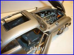 A Danbury mint scale model of James Bond Aston Martin DB5, Boxed / paperwork
