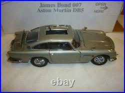 A Danbury mint scale model of James Bond Aston Martin DB5 Goldfinger