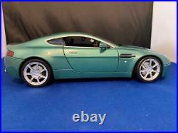 Aston Martin V8 Vantage Hot Wheels 1/18th scale