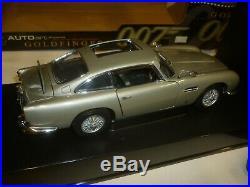 Auto art a scale model of a James Bond Aston Martin DB5 Goldfinger boxed