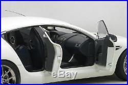 Autoart 70256 Aston Martin Rapide S 2015, Stratus White 118th Scale