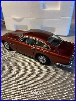 Danbury Mint 1964 Aston Martin DB5 1/24 Scale
