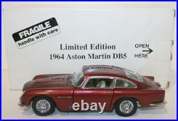 Danbury Mint 1/24 Scale Aston Martin DB5 Metallic red