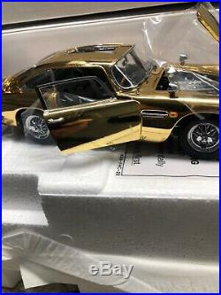Danbury Mint James Bond 007 Aston Martin 22 C24 GOLD. 124 Scale RARE