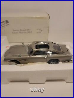 Danbury Mint James Bond 007 Aston Martin DB5 124 Scale New Missing Paperwork