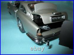 Danbury Mint James Bond 007 Aston Martin DB5 1/24 Scale Diecast withBox Paperwork