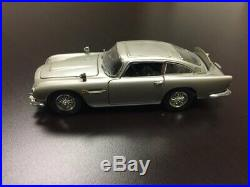 Danbury Mint James Bond 007 Aston martin DB5 Diecast Model Car 124 Scale