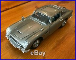 Danbury Mint James Bond 007 Silver Aston Martin DB5 Goldfinger 1/24th scale