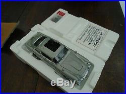 Danbury Mint James Bond Aston Martin DB5 124 Scale COA and Plinth & Cover+Box