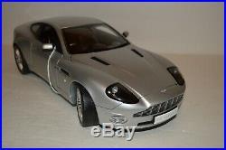 Franklin Mint Kyosho 1/12 Scale Aston Martin V12 Vanquish