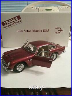JAMES BOND THEMED 1964 Dubonnet Red Aston Martin DB5, 124 Scale
