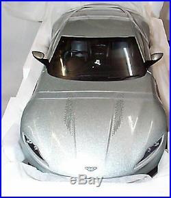 James Bond Spectre Aston Martin DB10 1-18 Scale Elite model CMC94