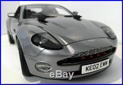 Kyosho 1/12 Scale Diecast 08603S Aston Martin V12 Vanquish 007 James Bond