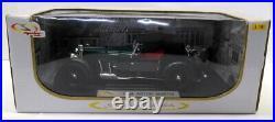 Signature 1/18 Scale Diecast 18118 1934 Aston Martin Mark 2 Dark green Model Car