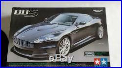 Tamiya 24316 Aston Martin DBS 1/24 Scale Sports Car